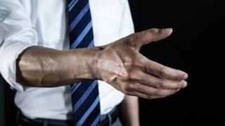 手血管老化