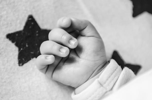 赤ちゃん指関節